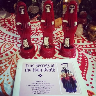 Red Santa Muerte & Prayer Book-Love, Relationships, Power, Sex